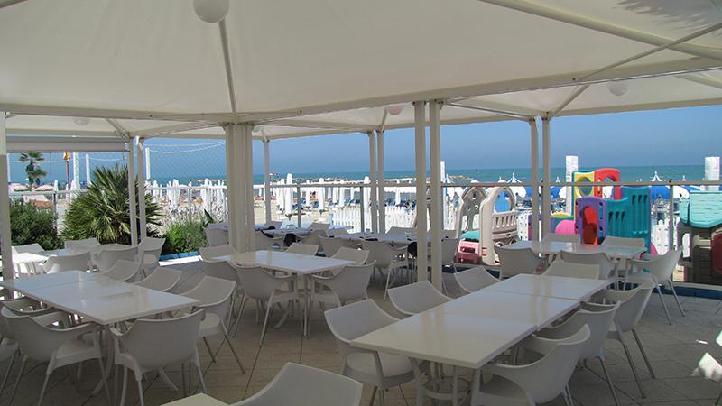 spiaggia-hotel-porto-san-giorgio_01